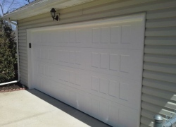 Beautiful new garage door in Kansas City neighborhood